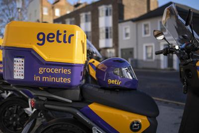 Getir UK e-bike and helmet